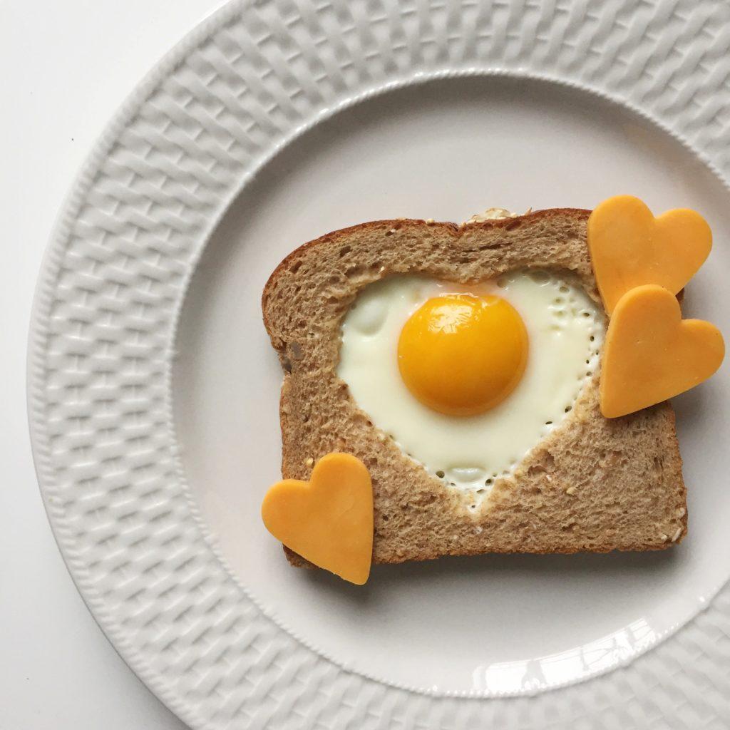 healthy valentines day breakfast - 901×652