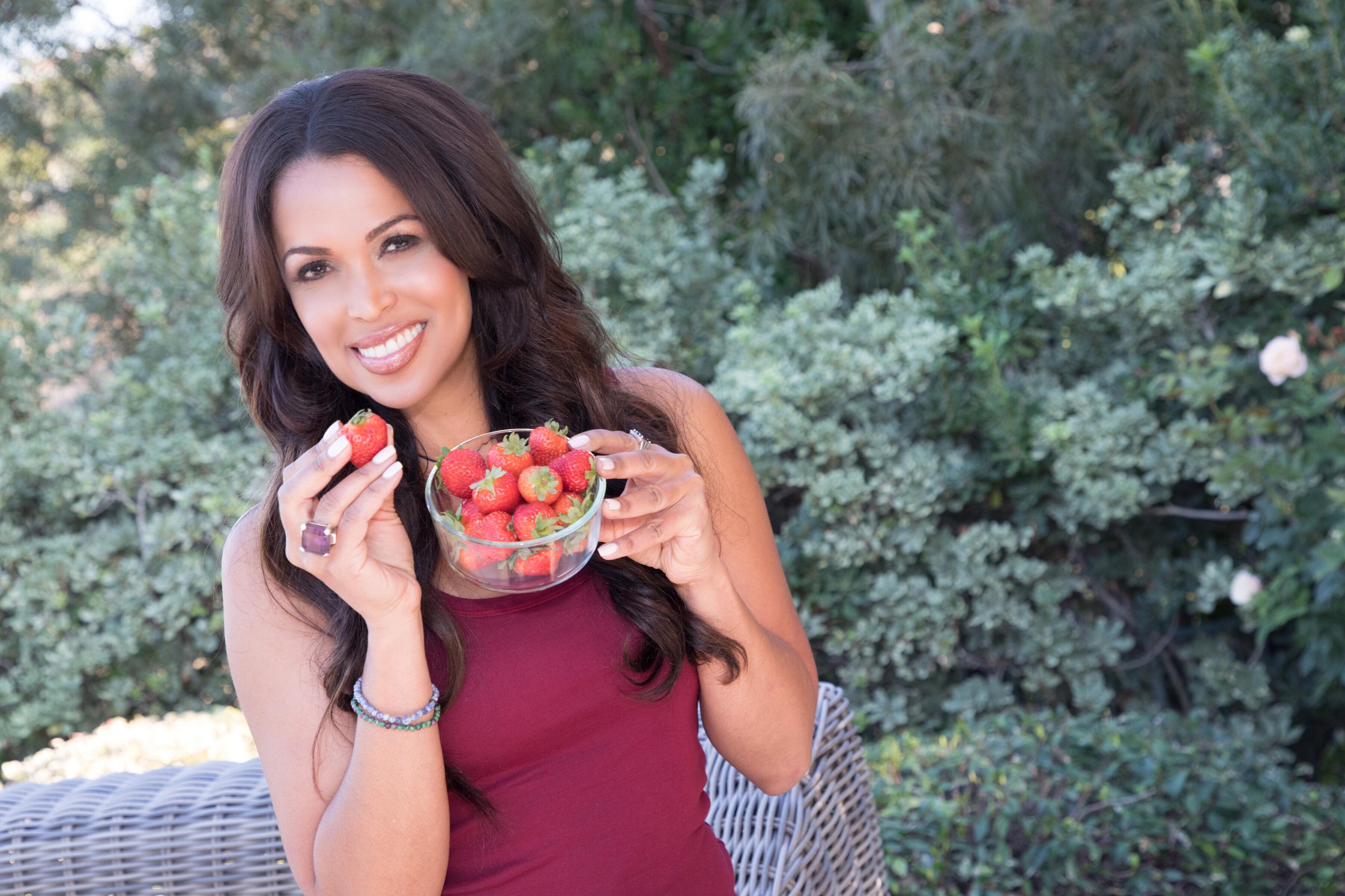Three Reasons to Eat Strawberries Everyday