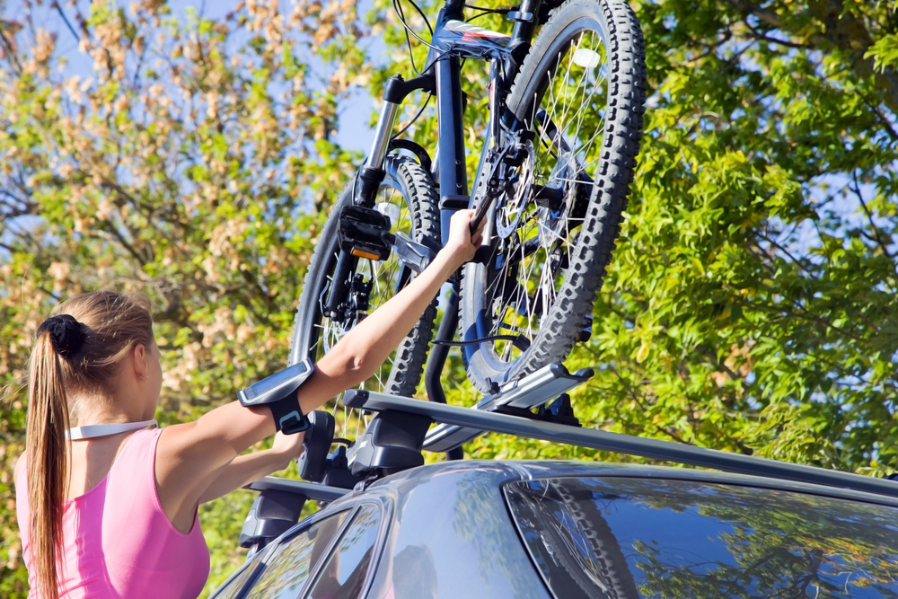 5 Pros and Cons of Having A Roof Rack On Your Car